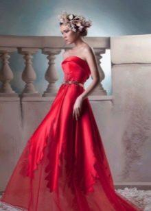 Красное вечернее платье с корсетом
