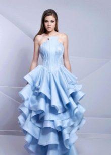 Вечернее платье с корсетом и пышной многослойной юбкой