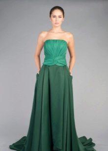 Вечернее платье с драпировкой на корсете
