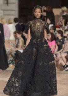 Кружевное пышное платье от Валентино