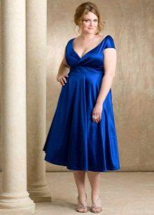 Ярко синее вечернее платье на свадьбу для полных