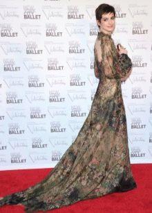 Вечернее платье с иллюзией открытой спины Эн Хеттеуэй