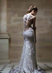 Серое вечернее платье с иллюзией выреза