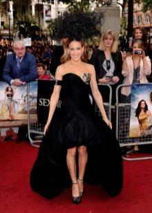 Вечернее платье короткое спереди длинное сзади от Александра Маккуина