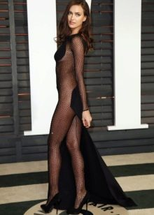 Вечернее платье Ирины Шейк откровенное в сеточку