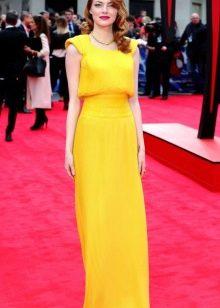 Вечернее платье Эммы Стоун желтое