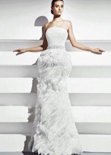 Свадебное платье с воланами прямое