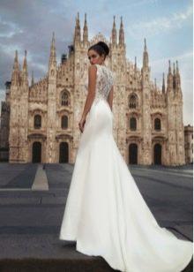 Свадебное платье со шлейфом из коллекции Милано 2015