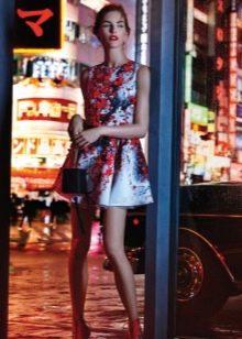 Вечернее платье короткое летнее с принтом