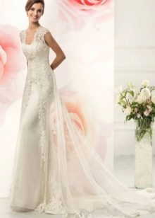 Свадебное платье со шлейфом из коллекции BRILLIANCE от Naviblue Bridal