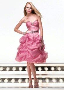 Короткое свадебное платье розового цвета