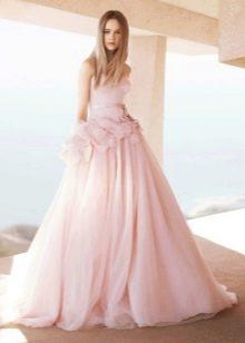 Свадебное платье бледно-розового цвета