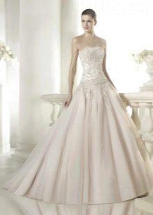 Свадебное платье от Сан Патрик цвета айвори
