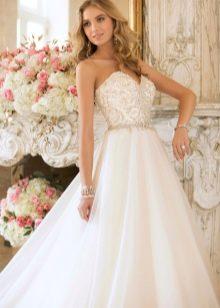 Платье свадебное цвета бумажного айвори