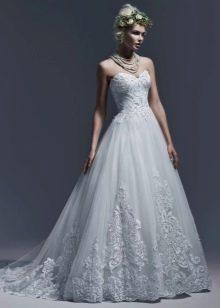 Свадебное платье с кружевом от Магги Сотерро 2016