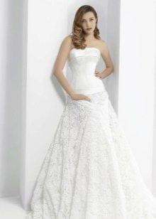 Свадебное платье с кружевной юбкой 2016