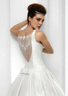 Свадебное платье с кружевной спиной  2016