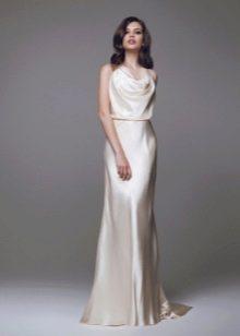 Атласное простое свадебное платье 2016