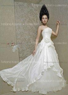 Свадебное платье из коллекции Соблазн со шлейфом