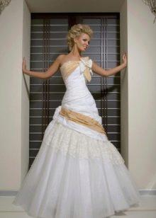 Свадебное платье из коллекции Femme Fatale а-силуэта