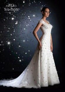 Свадебное платье со шлейфом от  To Be Bride 2011