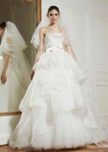 Свадебное платье из коллекции 2013 с многоярусной юбкой