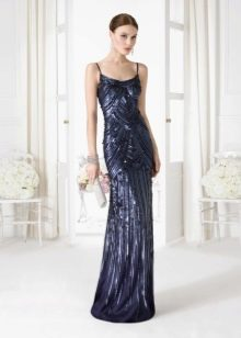 Вечернее платье расшитое пайетками