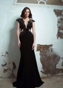 Вечернее черное платье с кружевной вставкой для женщин 40 лет