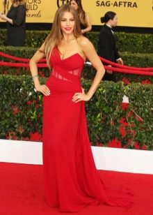 Красное вечернее платье для женщин 40 лет с асимметричным верхом
