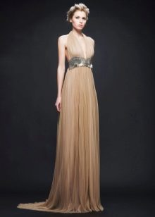 Бежевое вечернее платье в стиле ампир