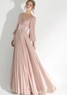 Вечернее платье с рукавами ампир