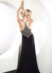 Открытая спина в вечернем платье для выпускного