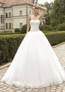 Пышное многослойное свадебное платье