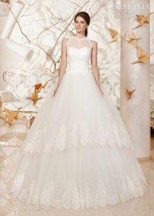Свадебное платье с многоярусной юбкой из коллекции Дыхание весны