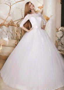 Свадебное платье пышное закрытое из коллекции Дыхание весны