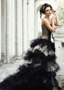 Многоярусное черно-белое платье свадебное