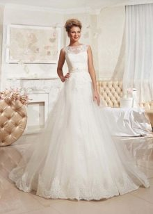 Свадебное платье из коллекции Просто любовь от Евы Уткиной закрытое