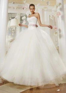 Свадебное платье из коллекции Просто любовь от Евы Уткиной пышное