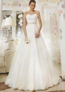 Свадебное платье из коллекции Кружевные мечты а-силуэта