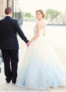 Свадебное платье с голубым низом