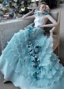 Платье свадебное голубое с воланами