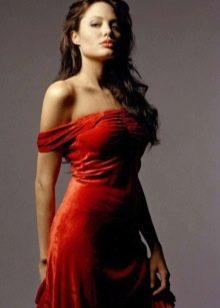 Красное вечернее платье Анджелины Джоли