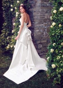 Свадебное платье с открытой спиной