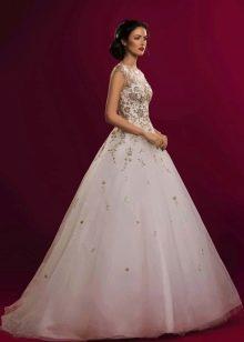 Свадебное платье от Натальи Романовой с вышивкой
