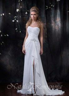 Свадебное платье из коллекции EUROPE COLLECTION с разрезом