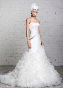Свадебное платье со шляпкой