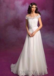 Свадебное платье из коллекции SONESTA с кружевом