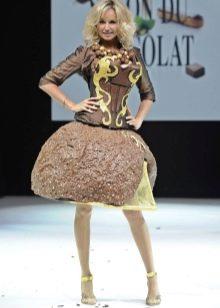 Вечернее платье из шоколада короткое с пышной юбкой