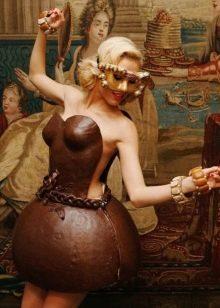 Вечернее платье из шоколада короткое