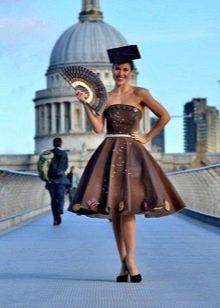 Вечернее платье из шоколада с стиле ретро